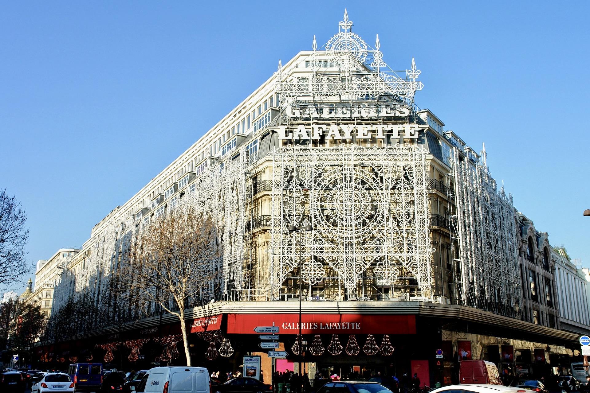 Auch die Galeries Lafayette gehört zu den Paris Sehenswürdigkeiten