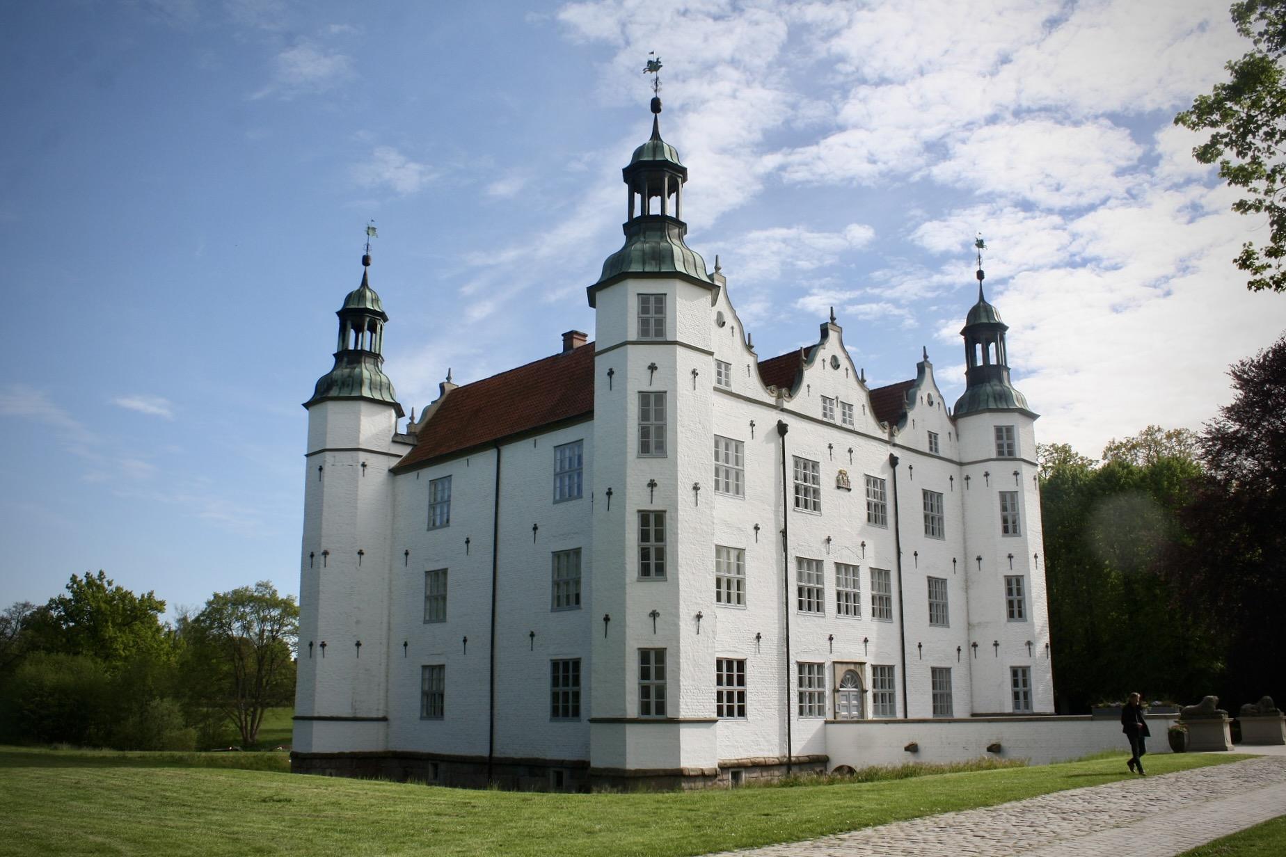 Schloss Ahrensburg ist als Reiseziel von Hamburg beliebt