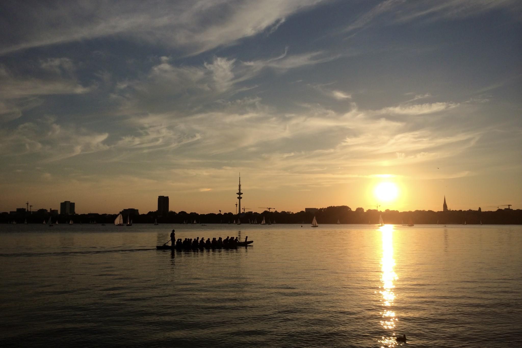 Hamburg Tipps: Insider gehen an die Alster zum Sonnenuntergang