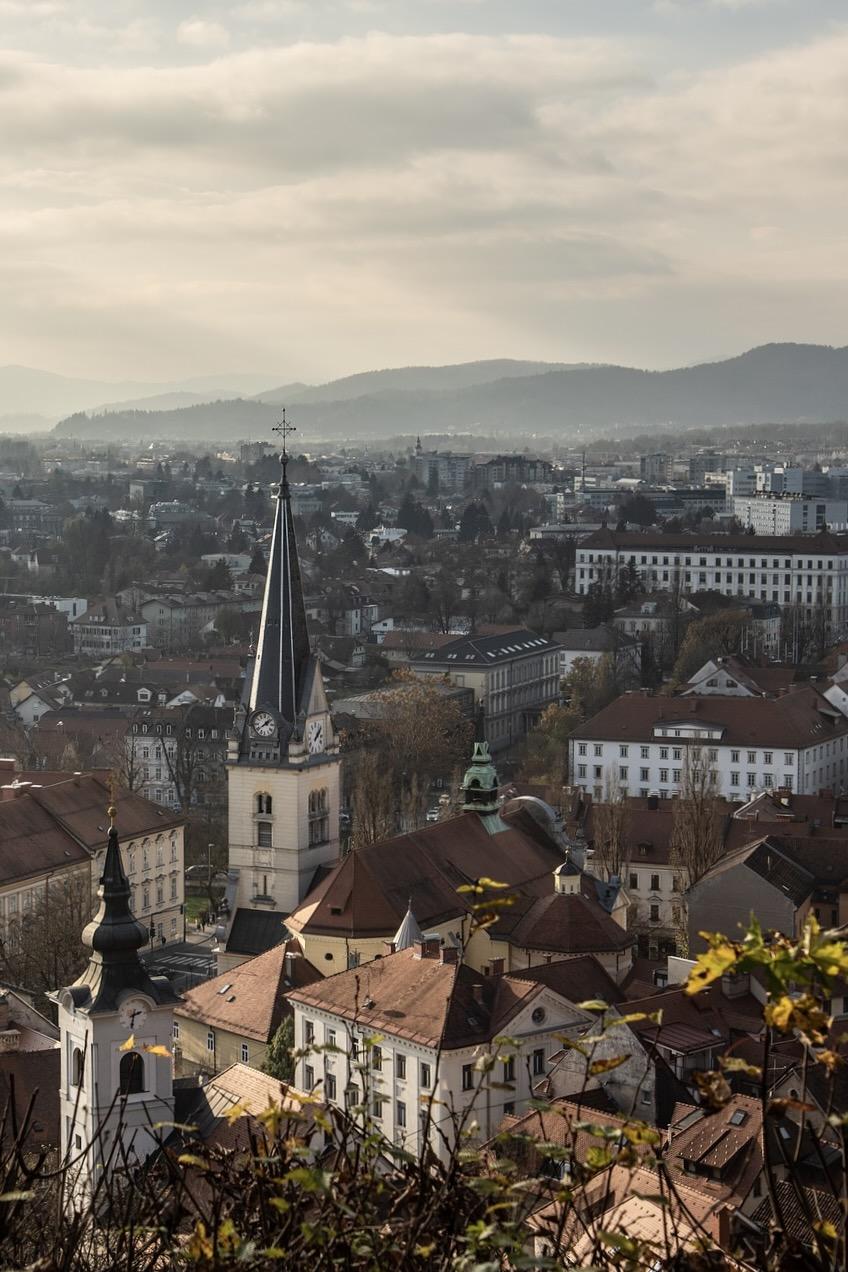 Aussicht auf Ljubljana im Herbst