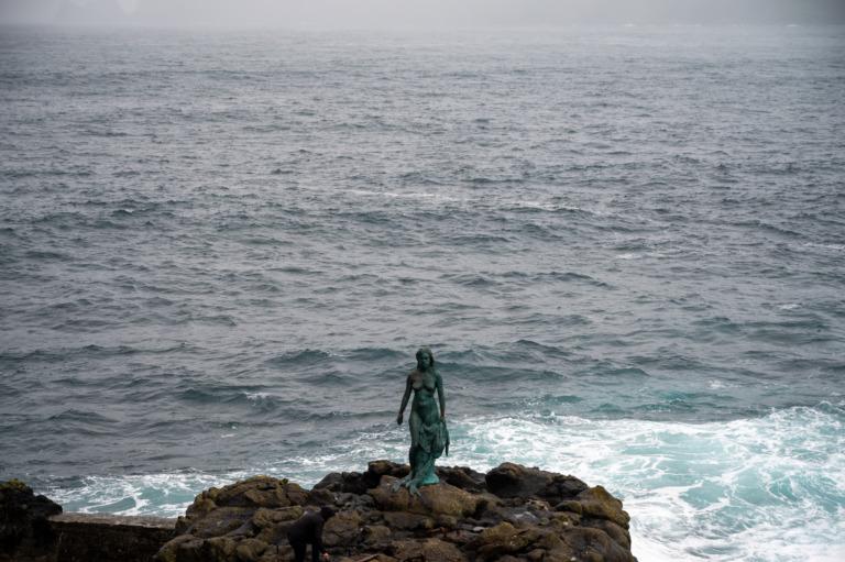Insel Kalsoy: Von Leuchttürmen und Robbenfrauen