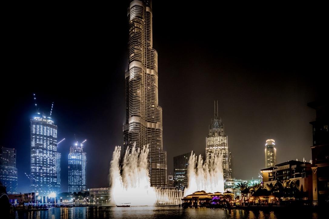 Der Dubai Fountain ist der größte Springbrunnen der Welt