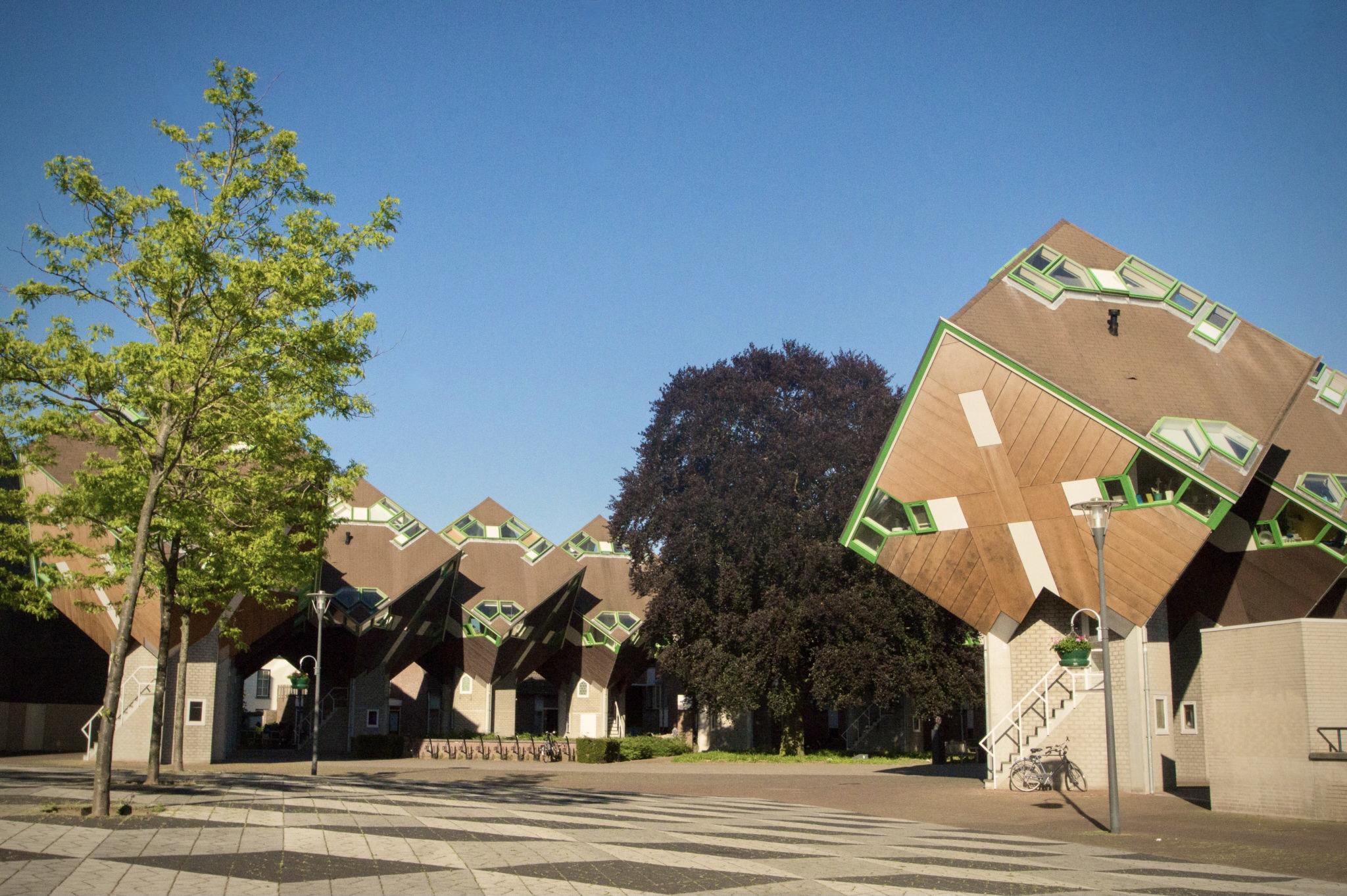 Die Kubushäuser in Helmond in den Niederlanden