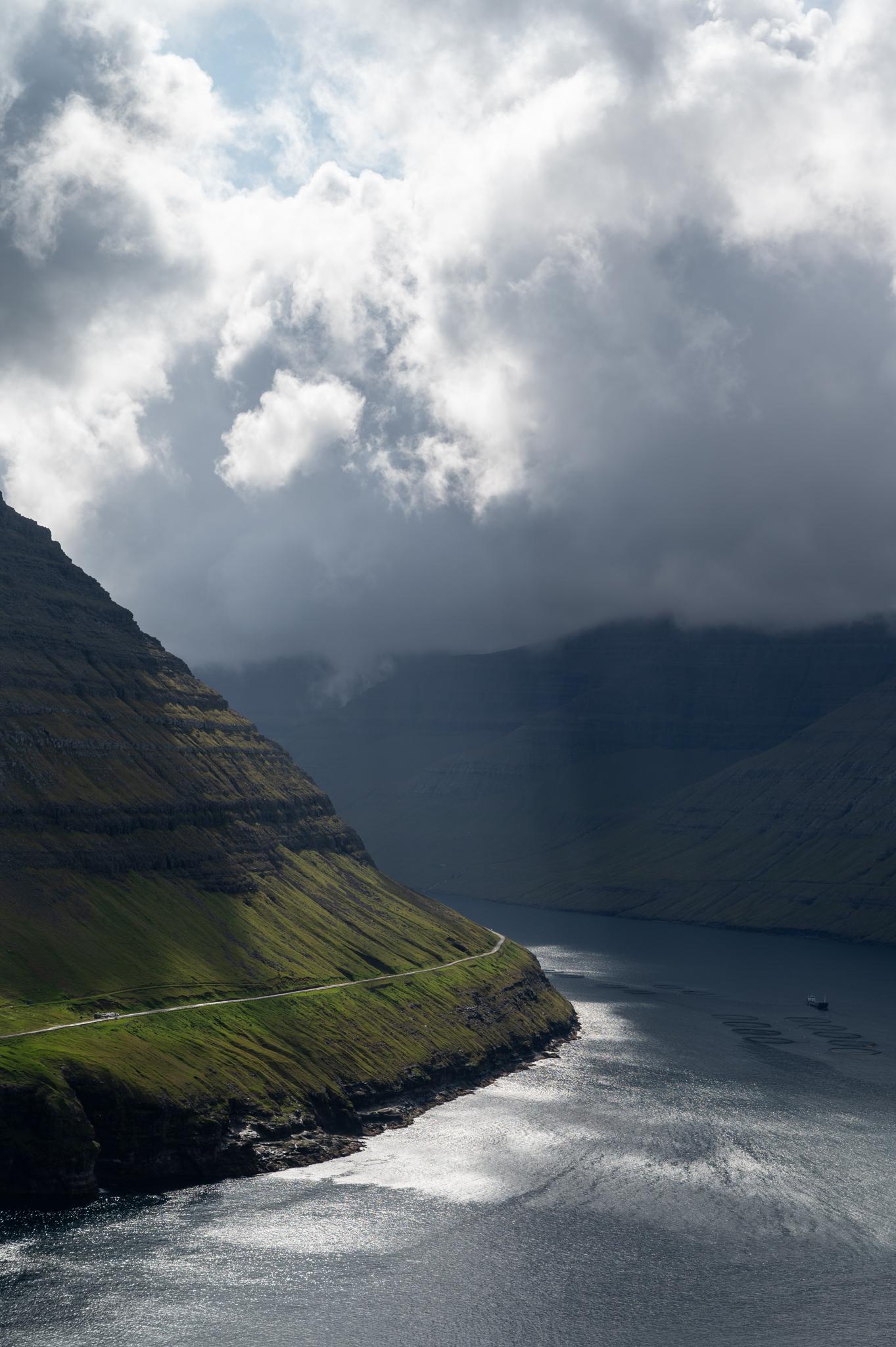 Serpentinen auf den Färöer