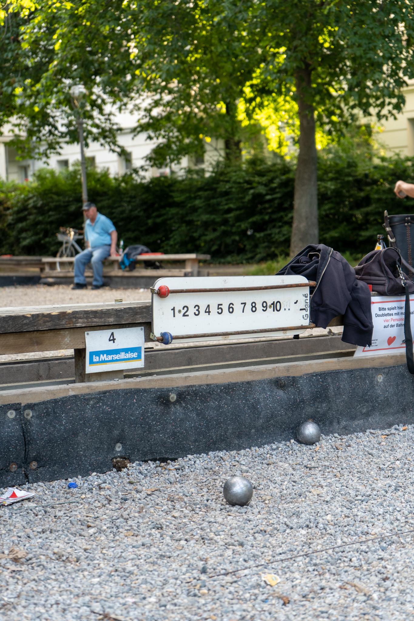 Boule am Landwehrkanal in Berlin
