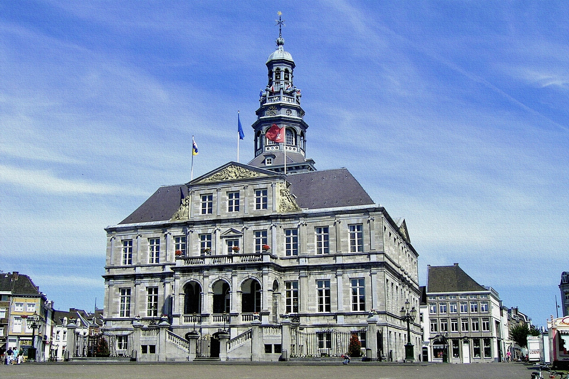 Das Rathaus in Maastricht macht die Stadt zu einem tollen Ausflugsziel