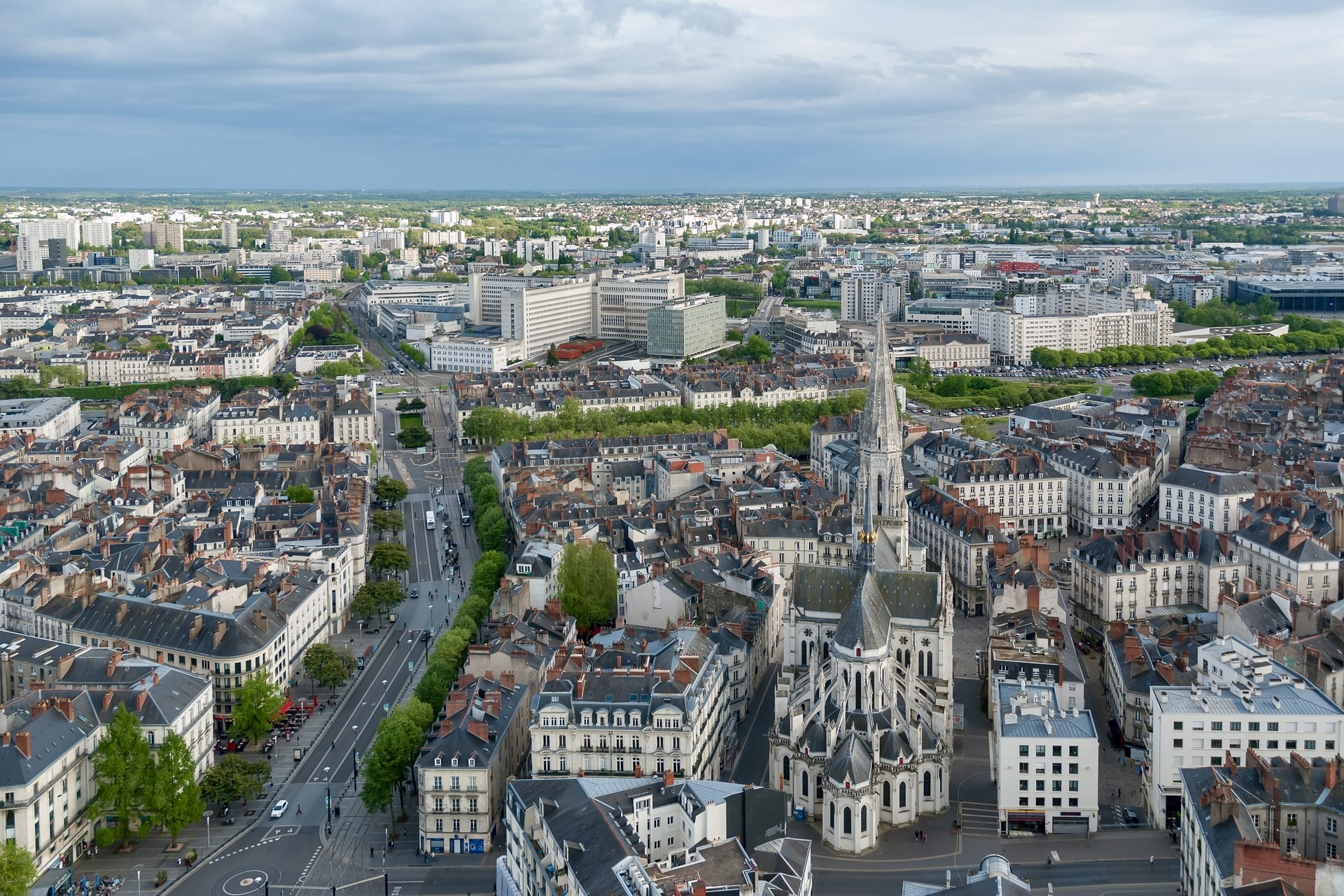 Ausblick auf die Nantes Sehenswürdigkeiten vom Tour de Bretagne