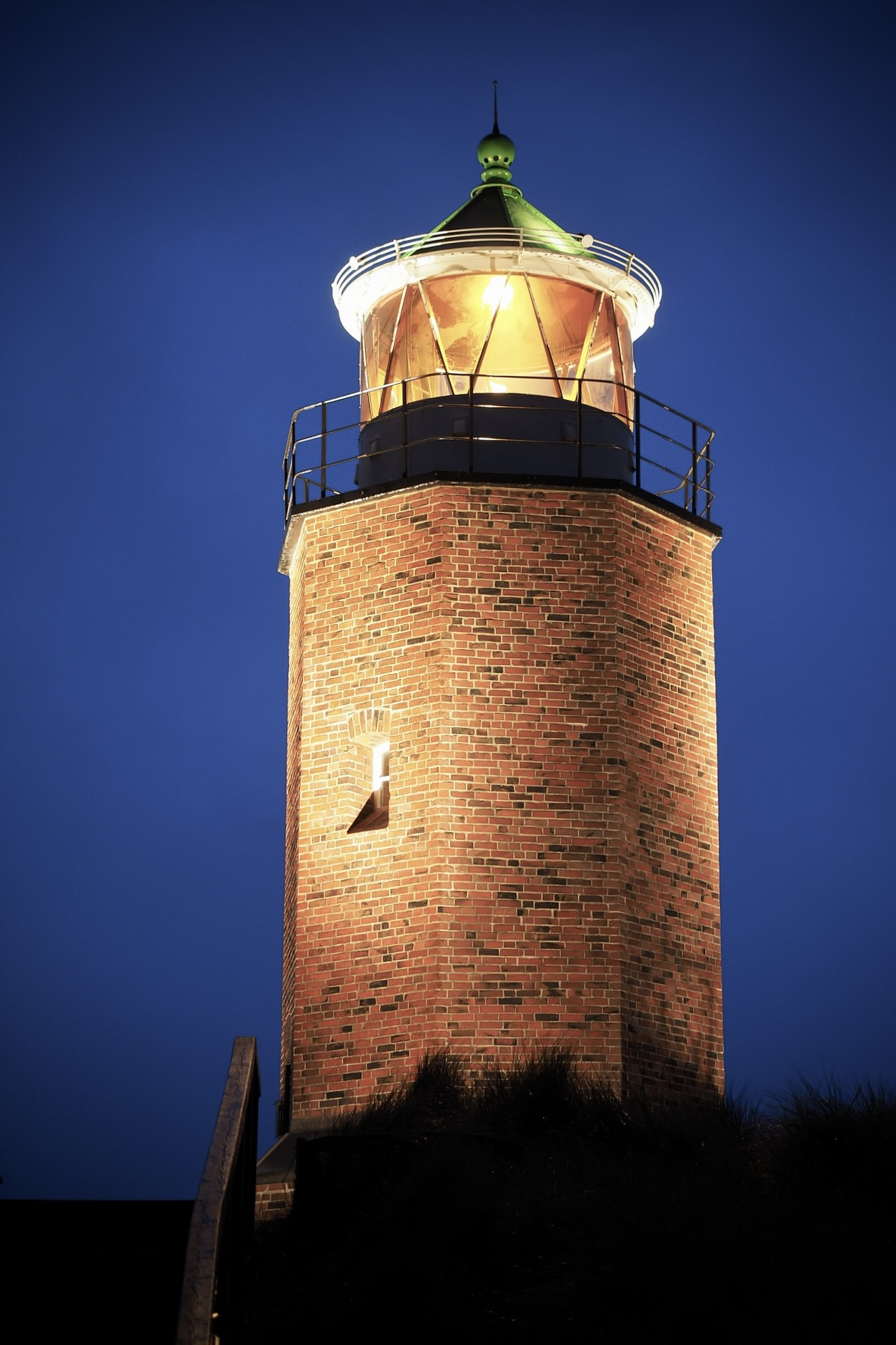 Das Quermarkenfeuer am Roten Kliff zählt zu den besten Sylt Highlights und Sehenswürdigkeiten