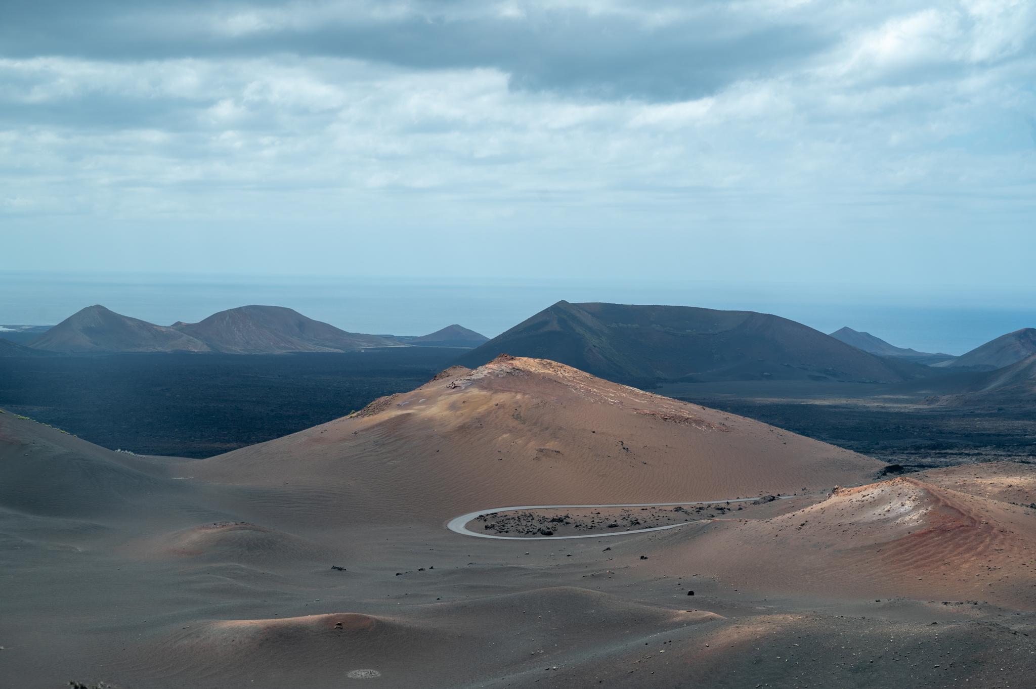 Lanzarote Sehenswürdigkeiten: Vulkankegel im Timanfaya Nationalpark