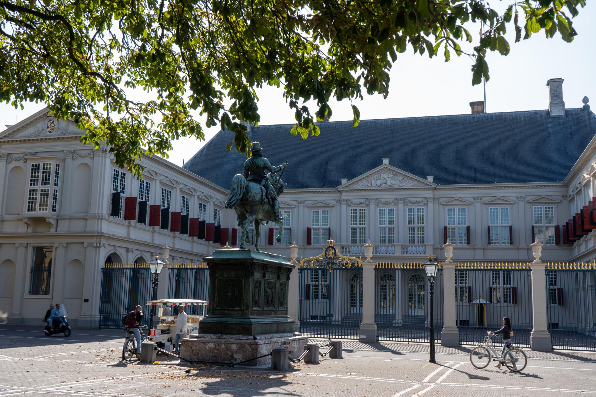 Schöne Städte in Holland: Der Königspalast in Den Haag