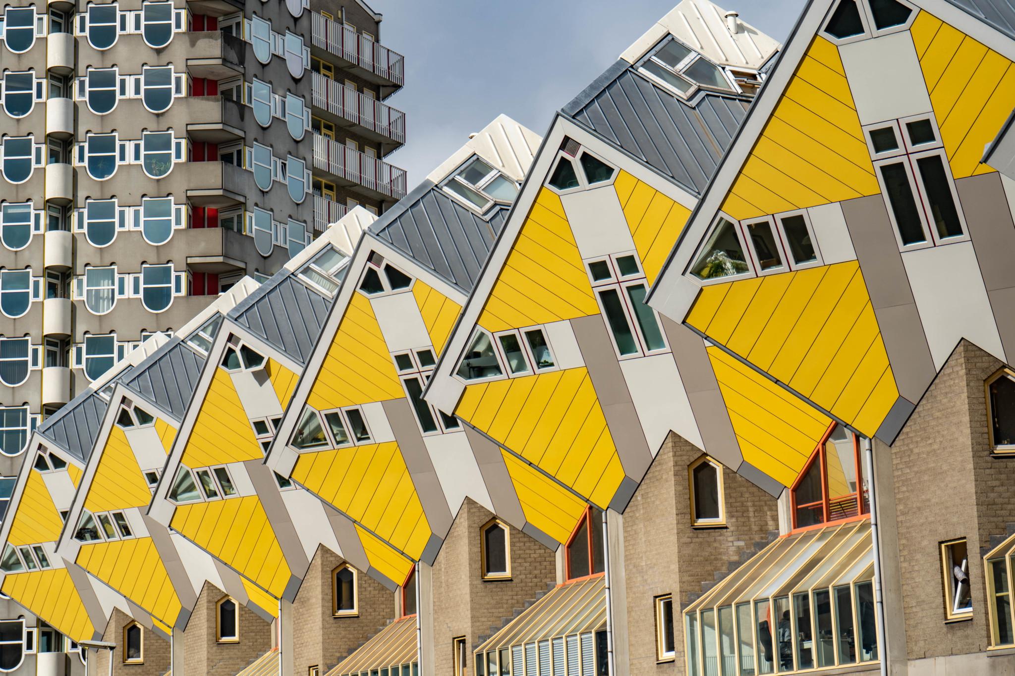 Die Kubushäuser machen Rotterdam zu einer der alternativen Städte in Holland