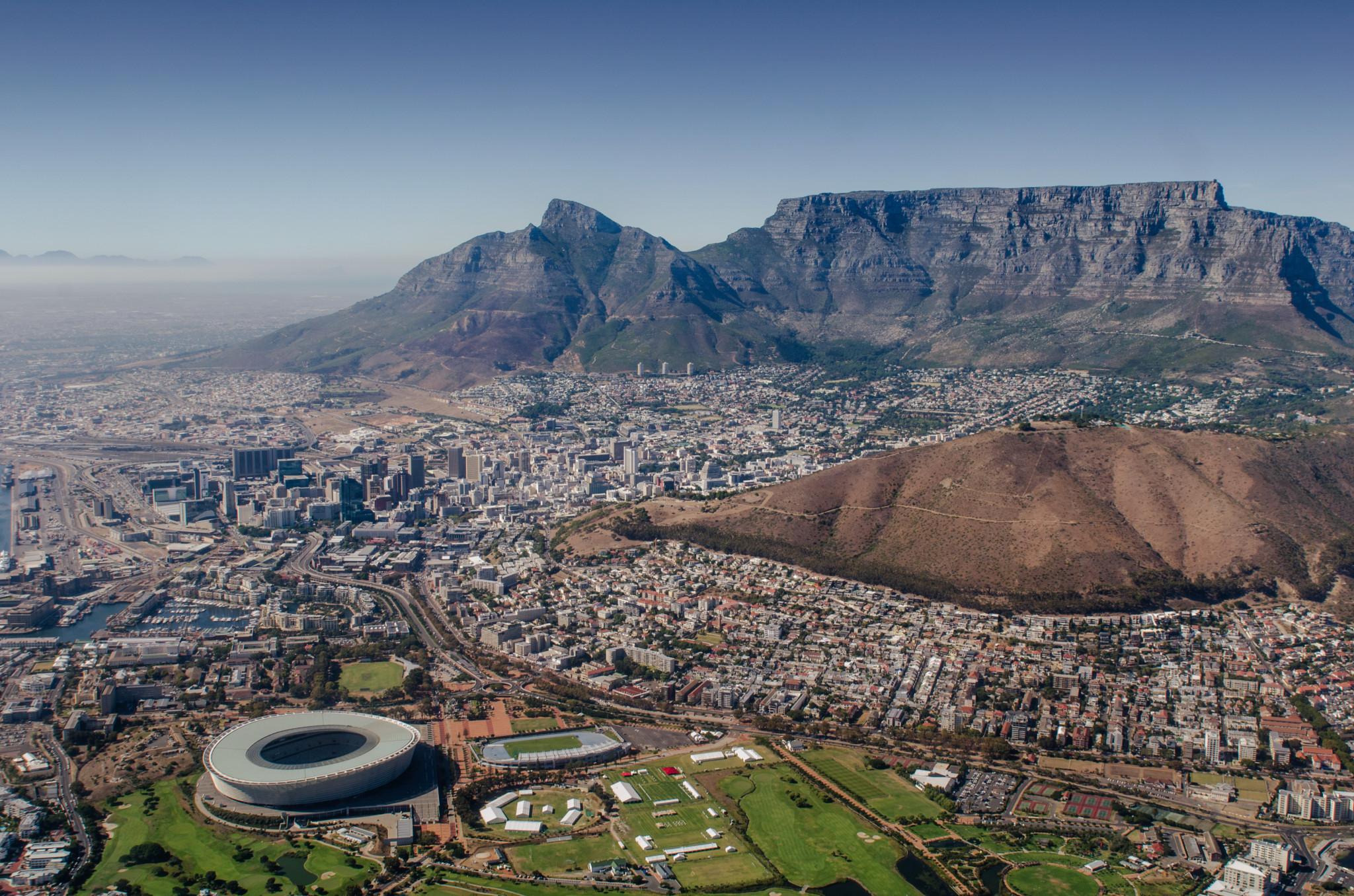 Ausblick vom Tafelberg auf Kapstadt