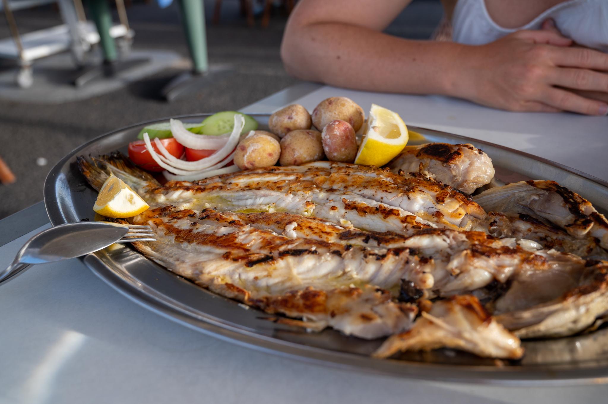 Fisch in El Golfo, in einem der Fisch Restaurants von Lanzarote