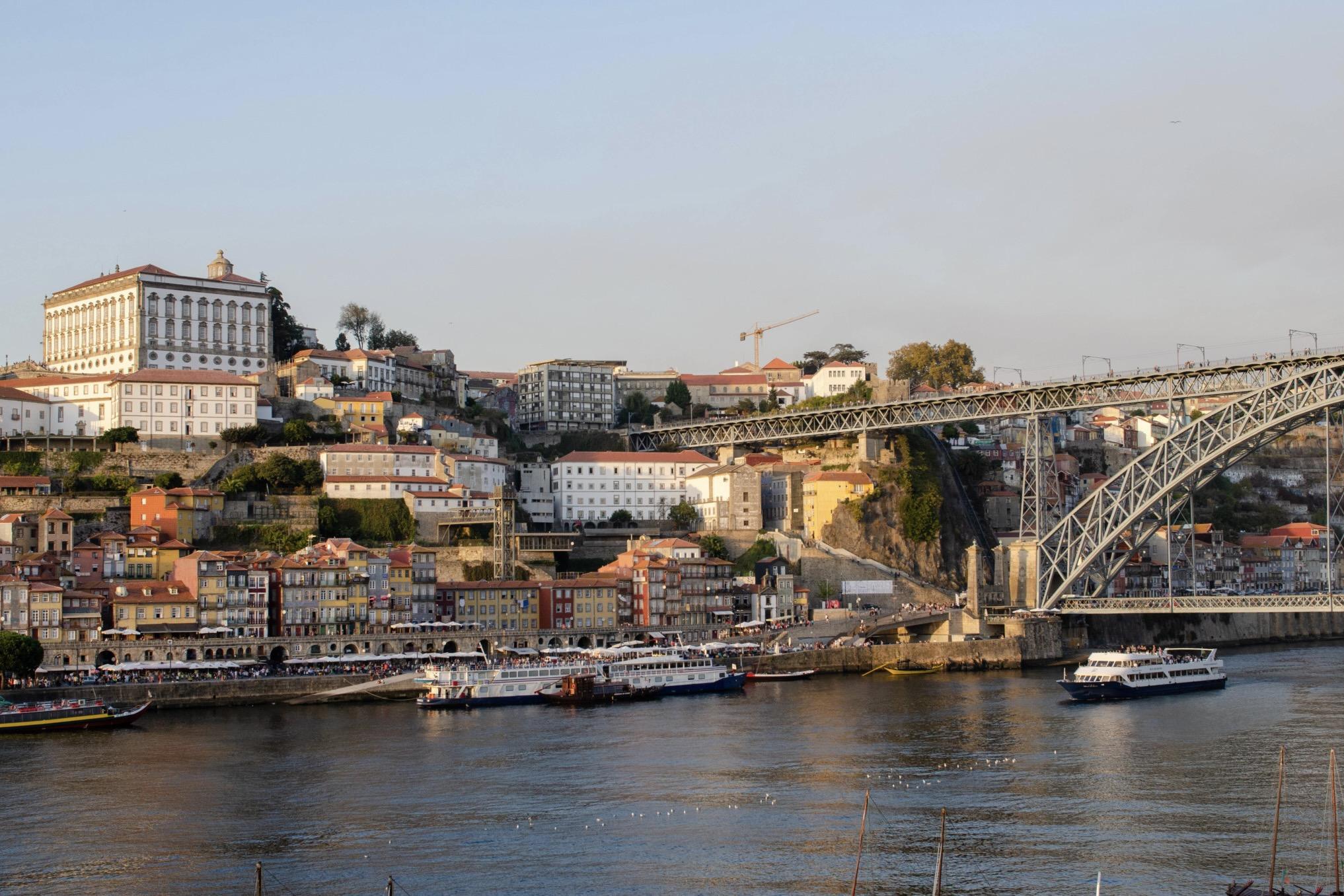 Brücke in Porto in Portugal