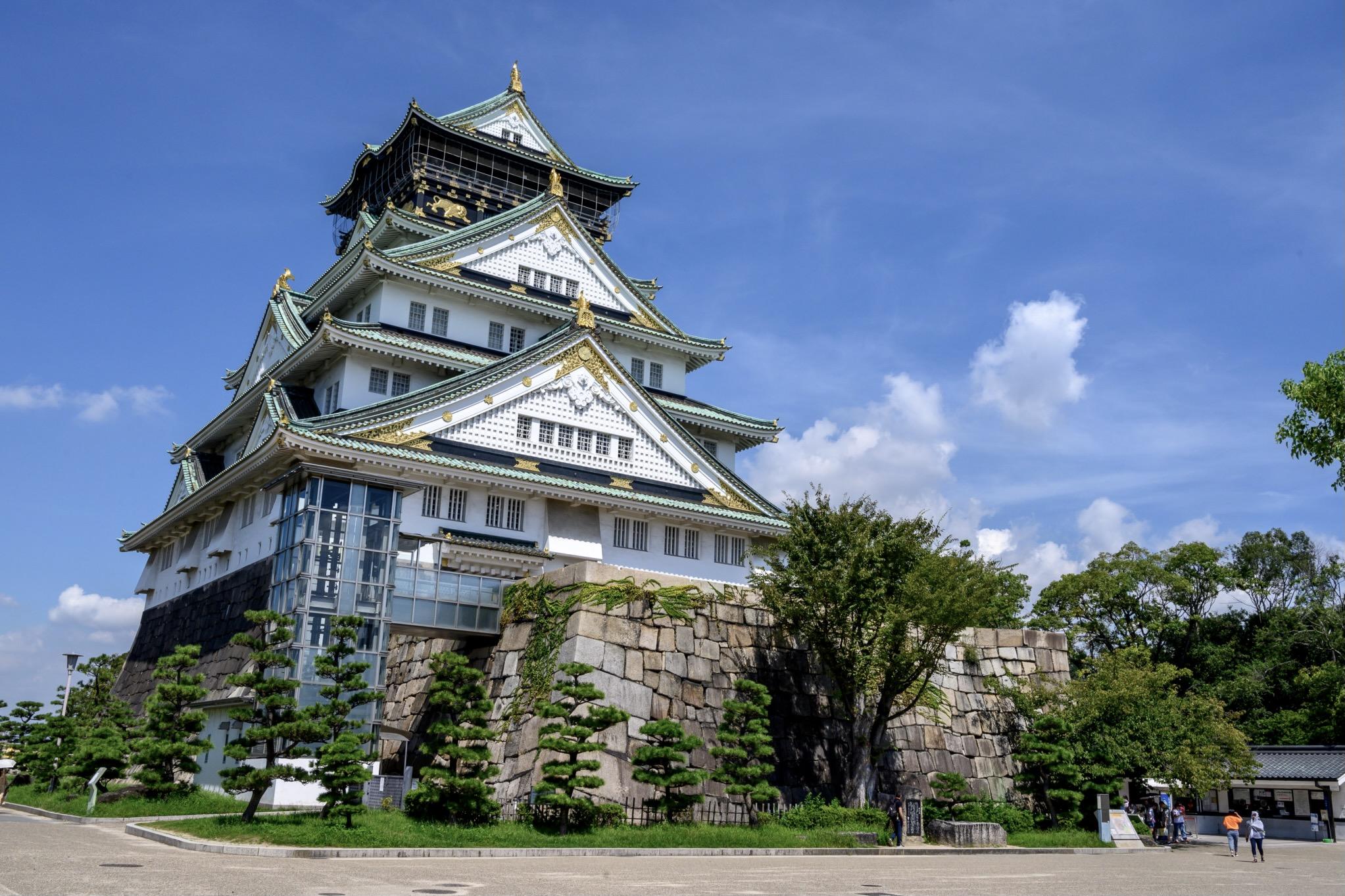 Das Osaka Castle macht Japan zu einem der besten Reiseziele im Mai