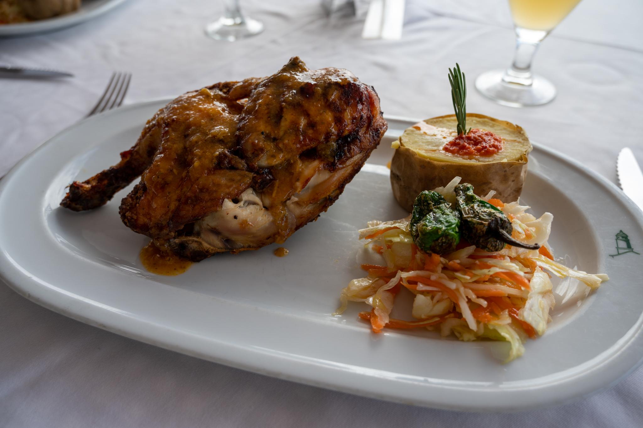 Hähnchen gibt es in vielen Lanzarote Restaurants