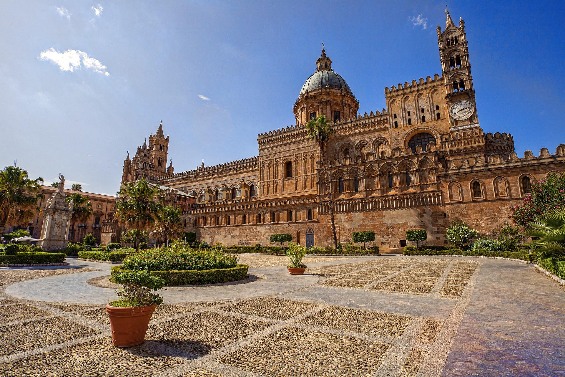 Dom in Palermo auf Sizilien